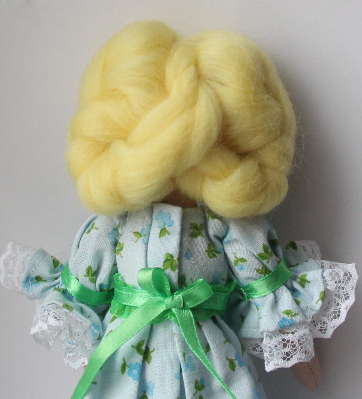 Как сделать волосы кукле из ниток или пряжи. Мастер